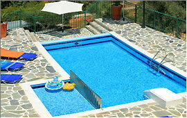 Themis I - Swimming pool seen from the balcony